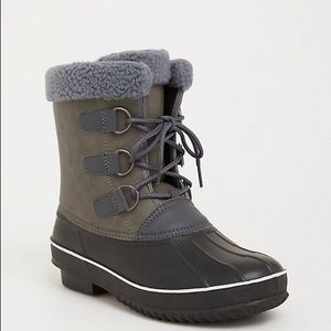 GREY FAUX LEATHER & RUBBER BOOT (WIDE WIDTH) 8.5